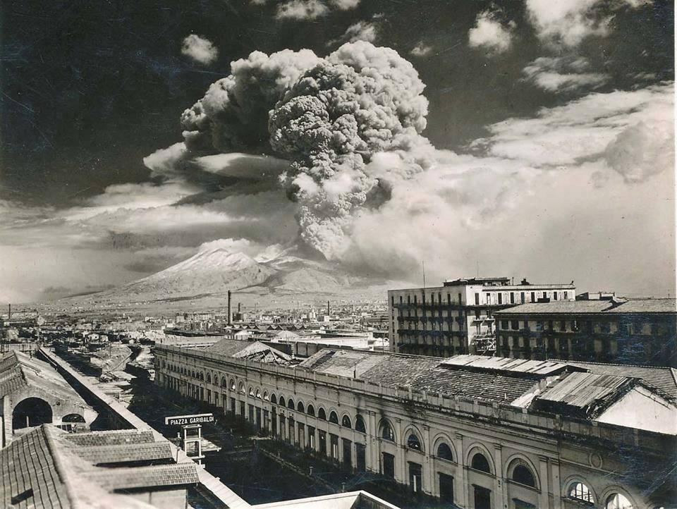 1-03_1. Извержение Везувия 1944 года.jpg